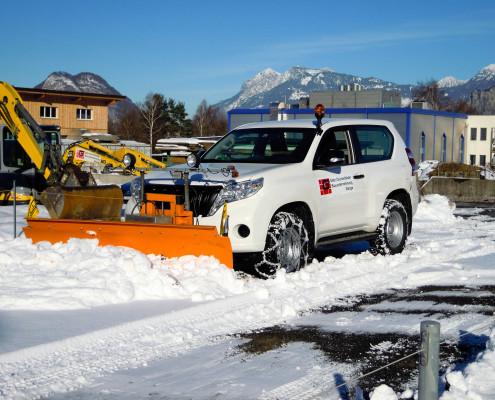 Winterdienst mit Land Cruiser